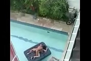 Bricklayer filmed a couple having sex in the pool