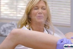 Doctor and hot blonde fucking x vodeo