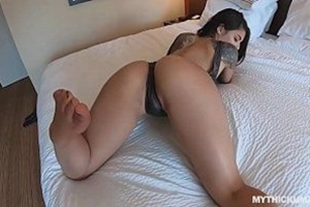 Gina Valentina the short little girl giving the pussy