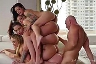 Harem sex video with several hot babes