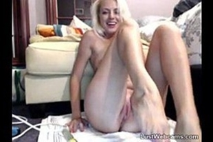 Hot blonde with pink pussy in xvideos basil bitching