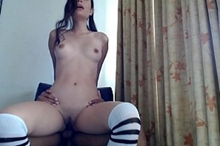 Hot girl masturbating on the dick fell in the xxx video