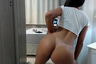 Hot nymphet dancing with sensual xvidios smooth body