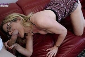 Hot Stepmom In Hot Ms With Stepson
