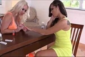 Lesbian Vidio With Blonde And Brunette