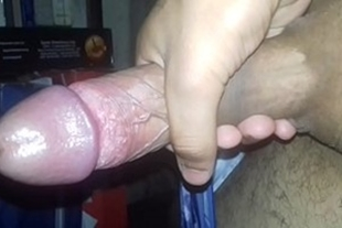 Man wanking and cumming on his hand