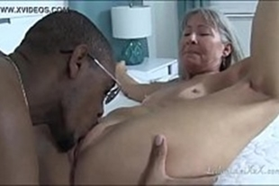 Old pornstar fucking with a naughty black guy