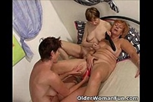 Old women fucking hot with each other