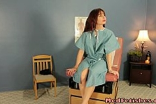 Porn gynecologist playing with the patient's pussy