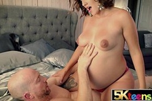 Porn with pregnant woman having sex