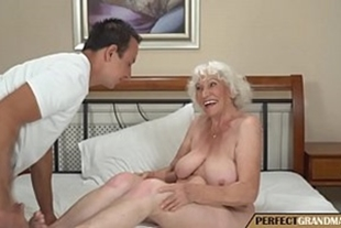 Sex with grandma who likes a very hard cock