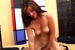 She fucked her friend's pussy