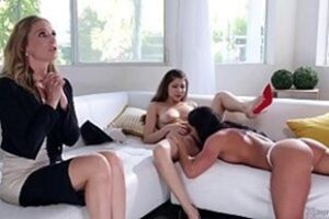 Three Hot Babes Fucking In Pornodoidolesbicas