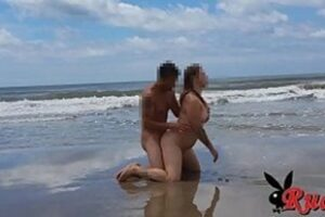 Xvideos Couple On The Beach Having A Good Time